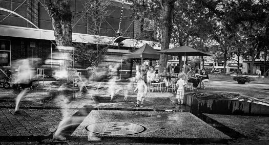 oak street plaza